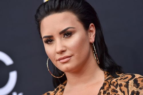 "Demi Lovato Is Sorry For Using Instagram Filters After ""Realising How Dangerous"" They Are"