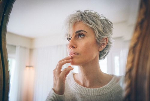 7 Things That Happen to Our Skin, Bodies and Hair During Menopause