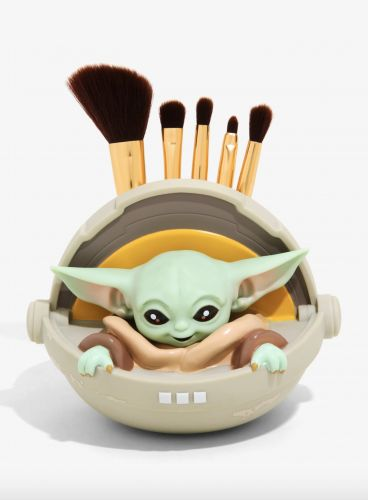 This Baby Yoda Makeup Brush Set Is the Perfect Gift For the Star Wars Lovers In Your Life