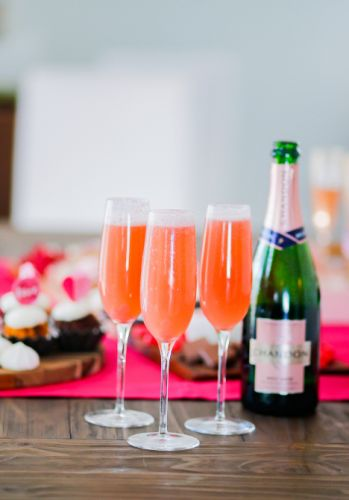 10 Valentine's Day Cocktails That Taste Like Falling In Love