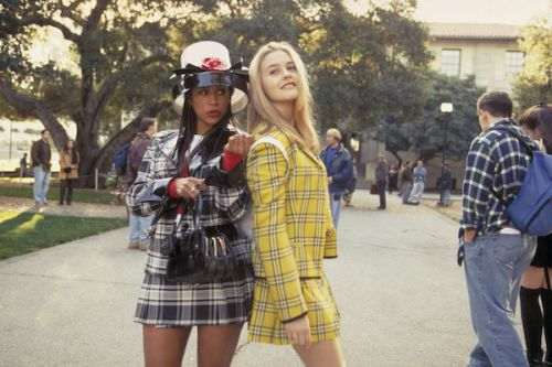 Relive Your Favorite '90s Memories With These Halloween Costumes
