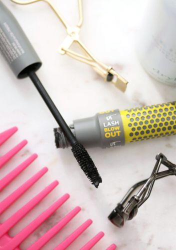 Before and After: It Cosmetics Lash Blow Out Mascara