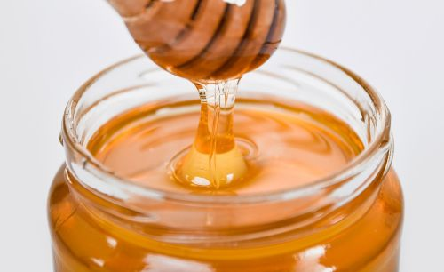 Why We Can't Stop Buzzing About the Benefits of Honey
