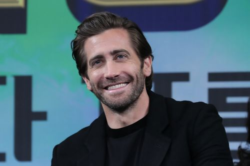 """Jake Gyllenhaal Believes Exfoliation Is """"Really Wonderful, Very Manly"""" So Who Are We to Argue?"""