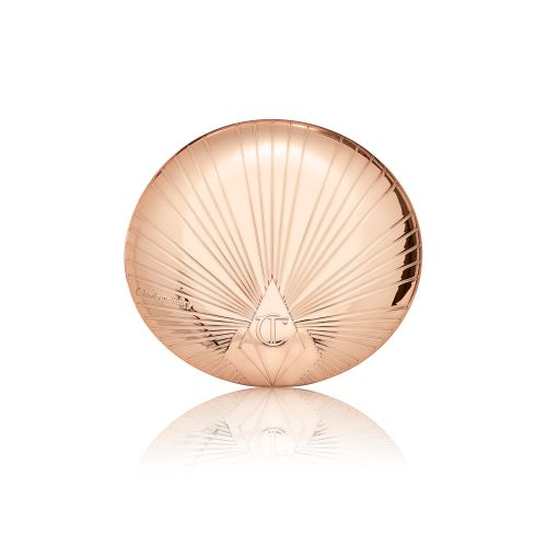 Charlotte Tilbury's Airbrush Bronzer Is the Reason I'm Going to Wear Bronzer Again