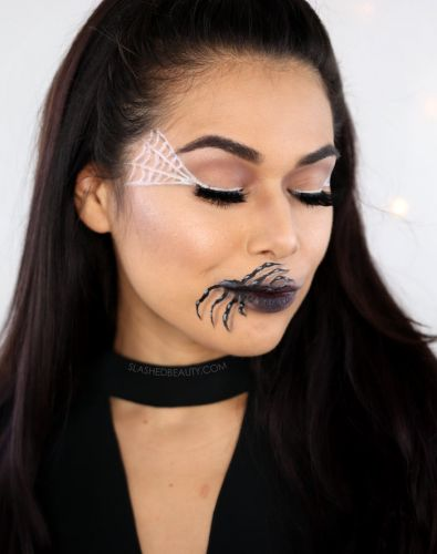Easy Halloween Makeup Idea: Spider Mouth