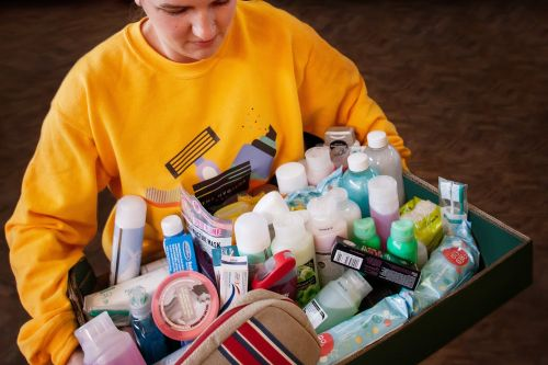 Boots Partners With The Hygiene Bank and Fareshare to Donate 200,000 Toiletries to NHS Staff