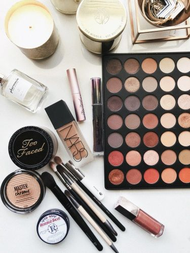 There Is a Language Discrepancy Between Makeup For White Skin and Makeup For Dark Skin