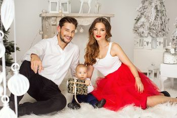How To Style Holiday Card Hair - Mom, Dad and Kids