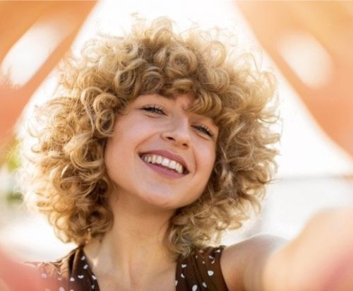 How to fake curls so hair looks naturally curly